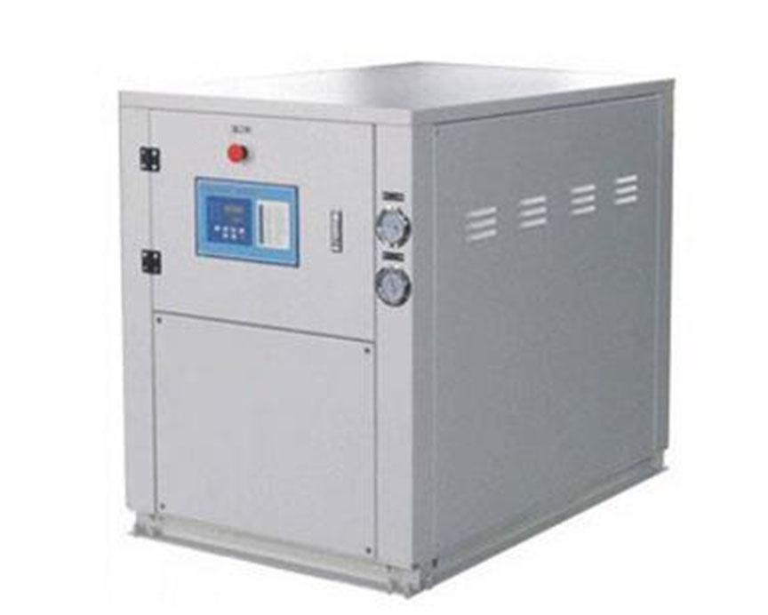 水冷低温箱式冷冻机组